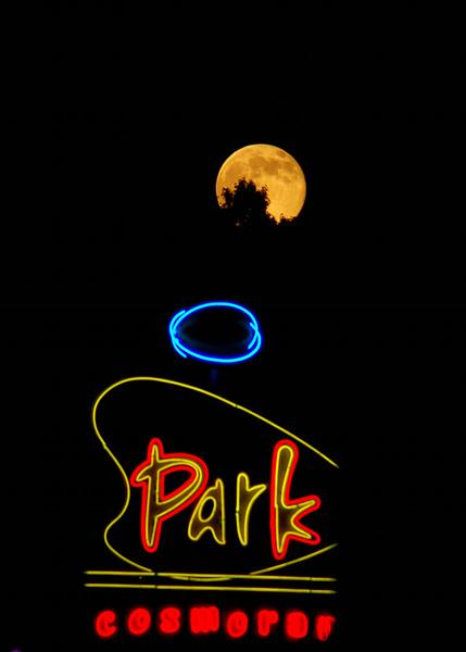 Moon over Park Cosmorama