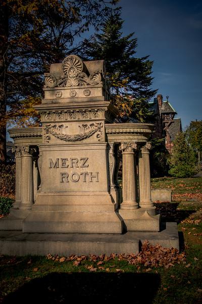 Merz Roth