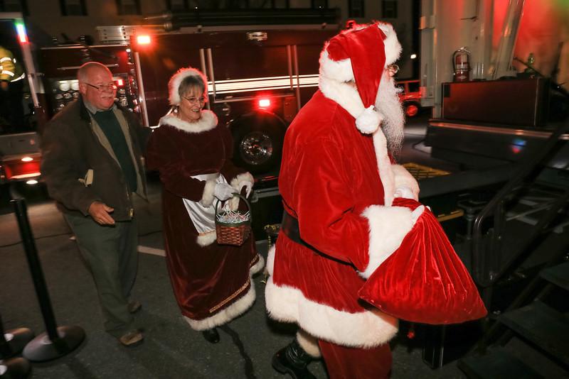 2014 Dec - Harrisburg Christmas Tree Lighting-0078.jpg