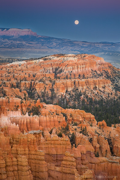 Bryce Canyon and full moon.