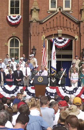 23633b President George Bush 4th July