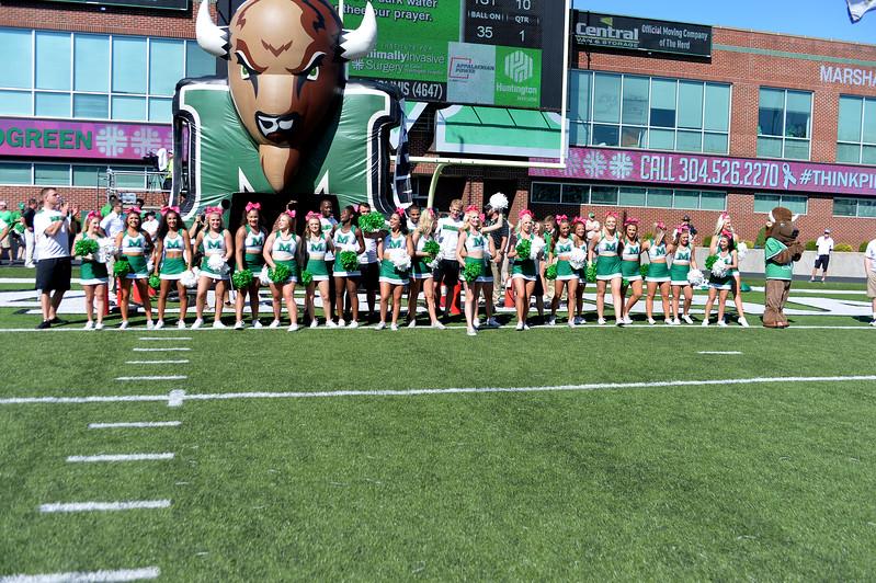 cheerleaders1309.jpg