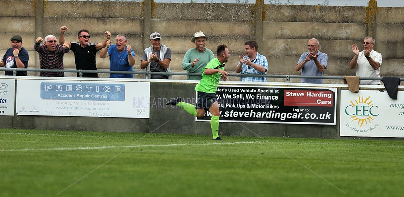 CHIPPENHAM TOWN V CIRENCESTER TOWN MATCH PICTURES  6th SEPTEMBER 2014