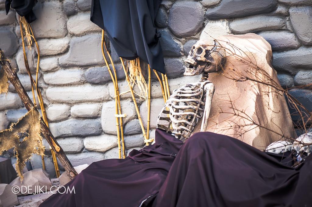 Halloween Horror Nights 8 - Cannibal scare zone BLOOD & BONES exposed