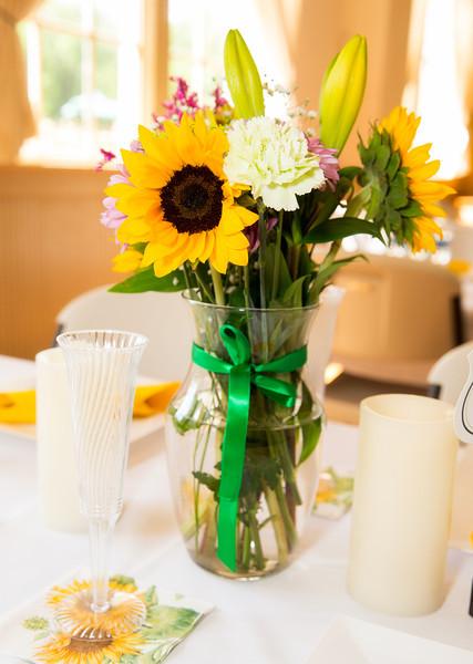 Floral arrangement 1.jpg
