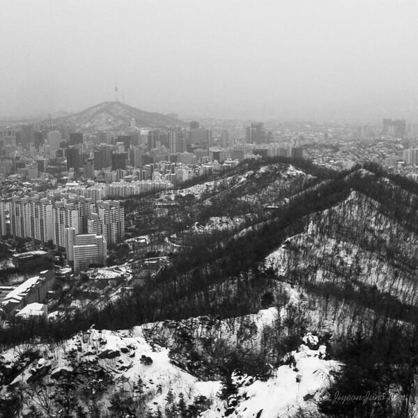 The view of Seoul from Ansan Bongsudae