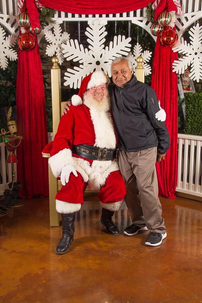 Santa 12-16-17-143.jpg