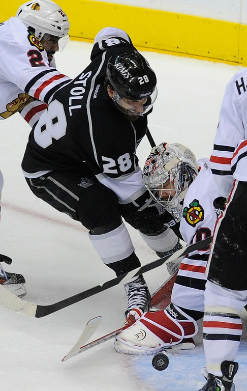 . Blackhawks#50 Corey Crawford is able to stop this shot by Kings#28 Jarret Stoll in the second period. The Kings played the Chicago Blackhawks in the 3rd game of the Western Conference Finals. Los Angeles, CA 6/4/2013(John McCoy/LA Daily News4