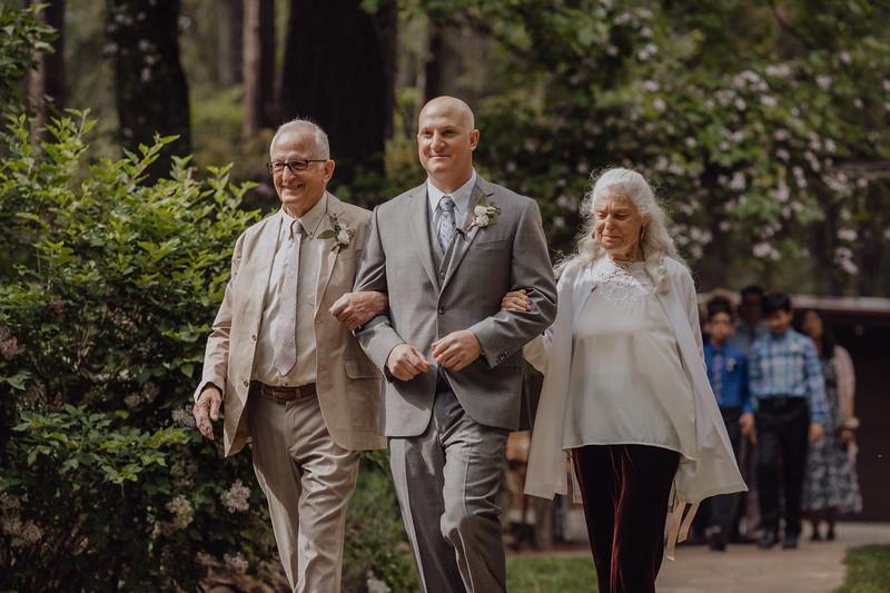 2018-05-12_ROEDER_JulieSeth_Wedding_DUSTIN1_0042.jpg