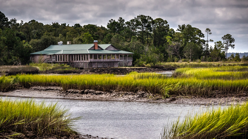 Resturant and Lounge on the outskirts of St Marys, Ga