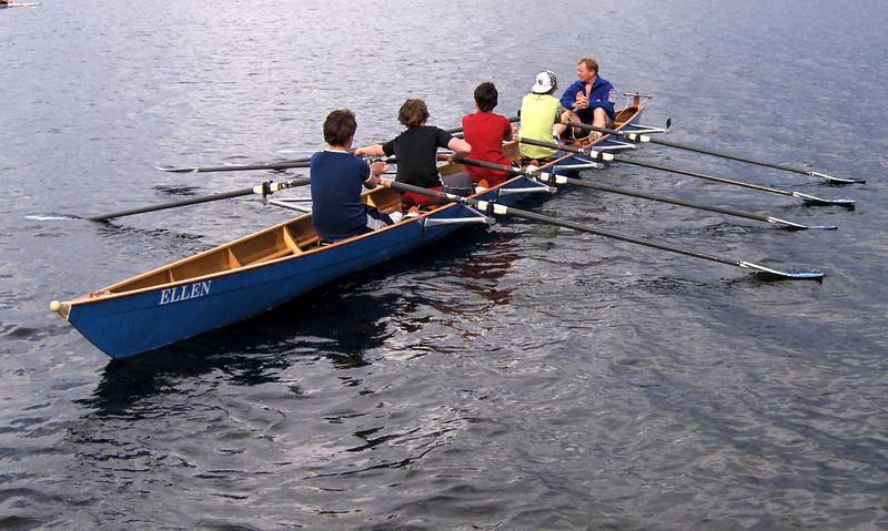 Trener Svenn Erik med nye roere