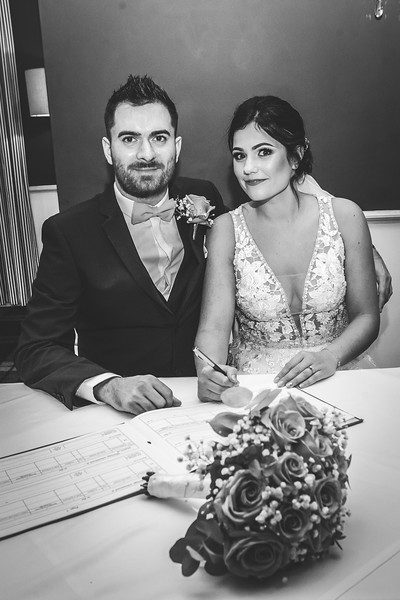Mr & Mrs Thompson-201.jpg