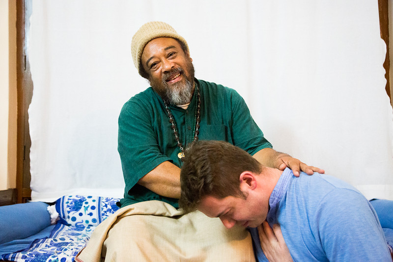 20160323_Moments with Mooji_meeting about sharing satsang_132.jpg