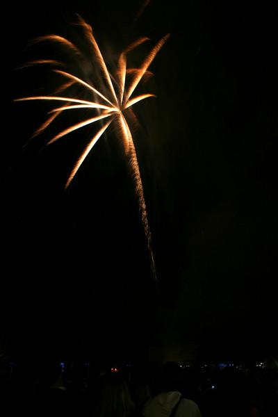 2007_1102putneyfireworks137_edited-1.JPG