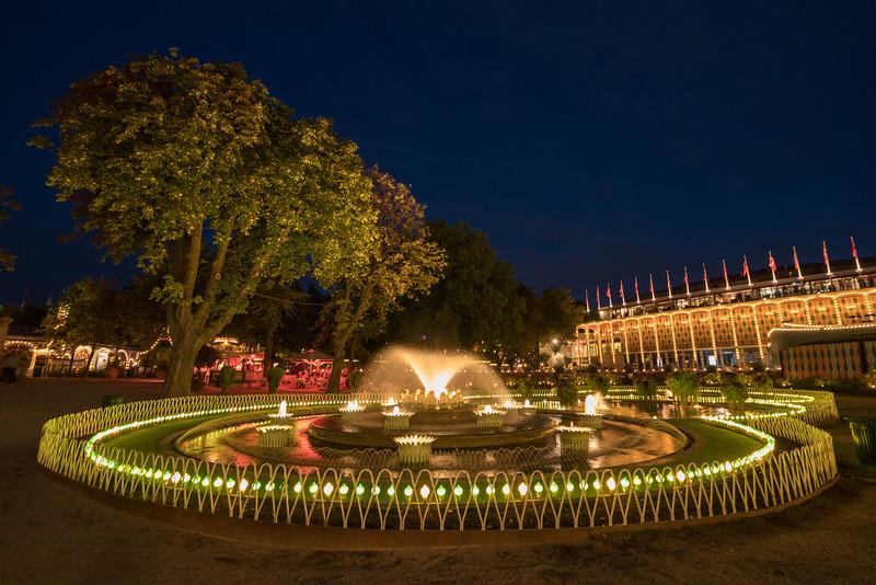 Tivoli-gardens-copenhagen-1.jpg