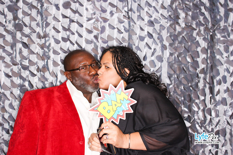 red-hawk-2017-holiday-party-beltsville-maryland-sheraton-photo-booth-0099.jpg