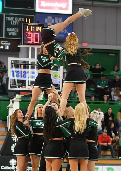 cheerleaders4190.jpg