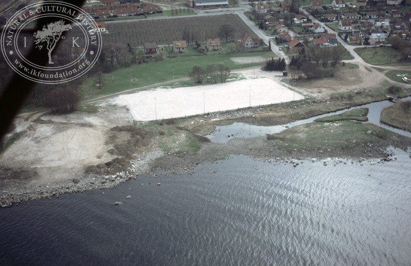 Kivik, harbour with possible fish works (1986). | LH.0092