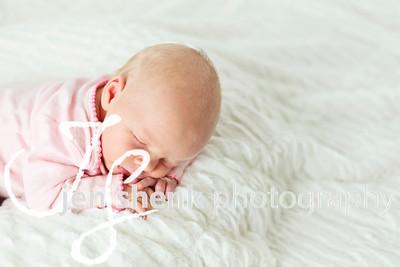 Dylanne (2 weeks)