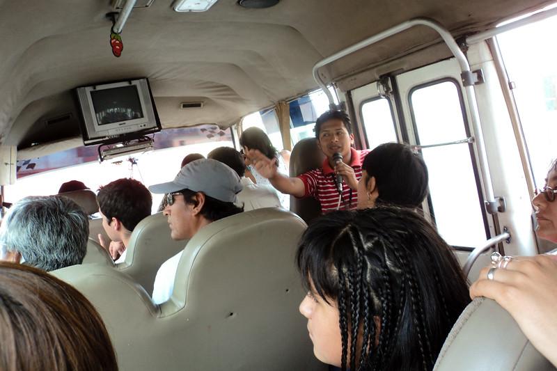 lima-tour-bus_5492650847_o.jpg