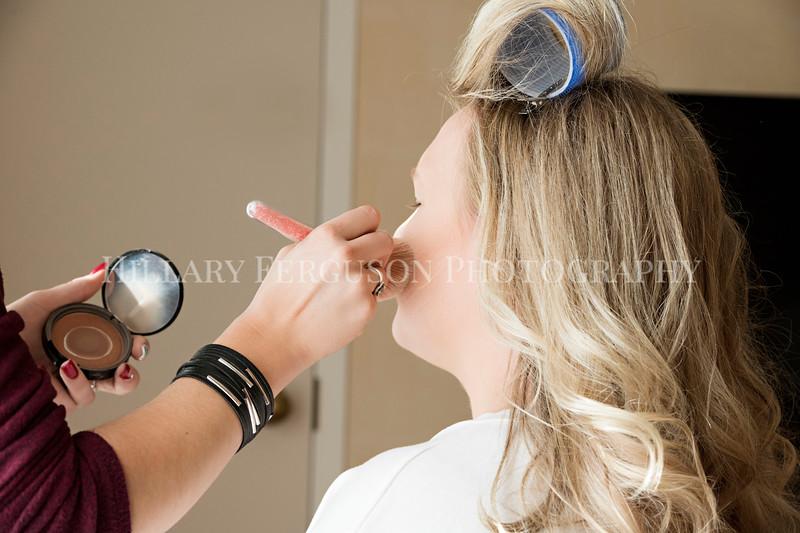 Hillary_Ferguson_Photography_Melinda+Derek_Getting_Ready074.jpg