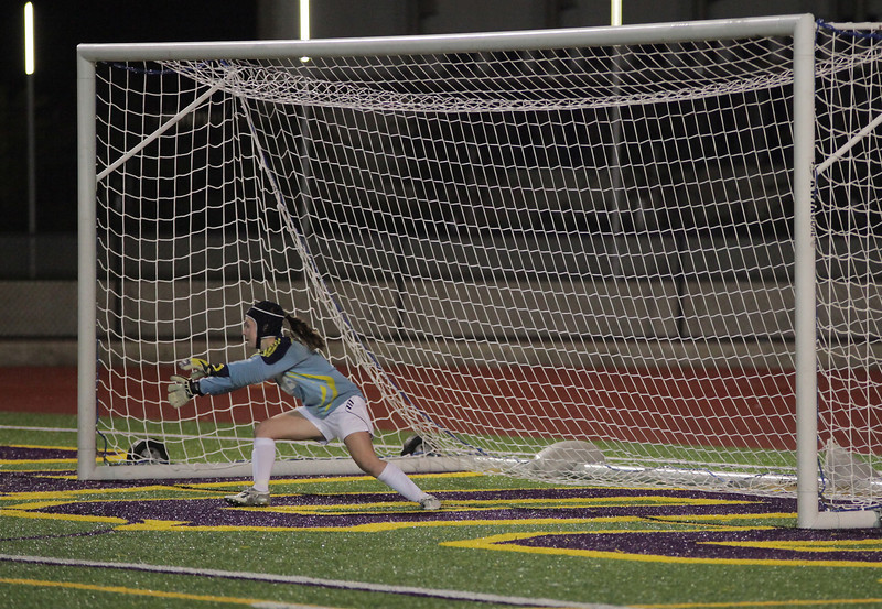 Goal by Sophie Chakalo Woodinville High Girls Varsity Soccer verse Issaquah High October 6, 2011   ©Neir