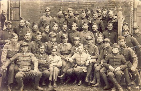 002 Opa Pidt als polnischer Ulan ca 1920 120 KB.JPG