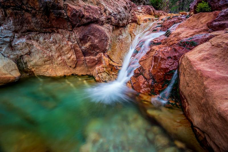 Little Backbone Creek, Shasta Lake, CA, USA