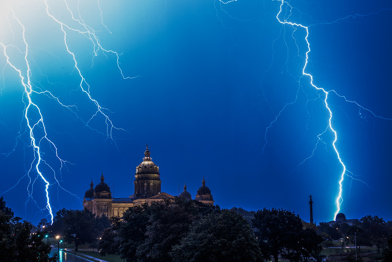 Lightning and storms over Des Moines