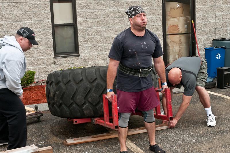Fitness Revolution Strongman Challenge 2011_ERF4015.jpg