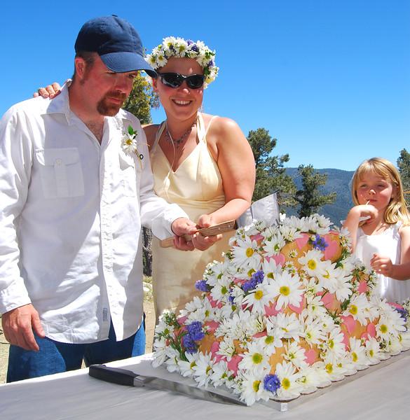 Kelly & Ellen cutting cake.jpg
