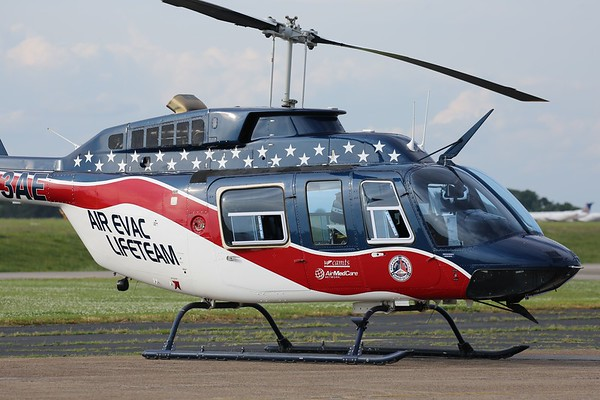 "Air Evac Lifeteam 1991 Bell 206L ""Long Ranger"", Knoxville, 10May19"