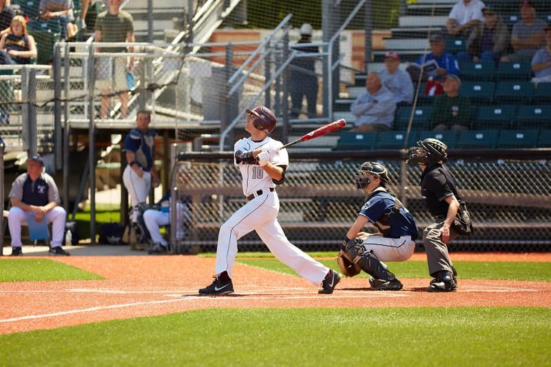 2016_UWL_Baseball_Regionals_098.jpg