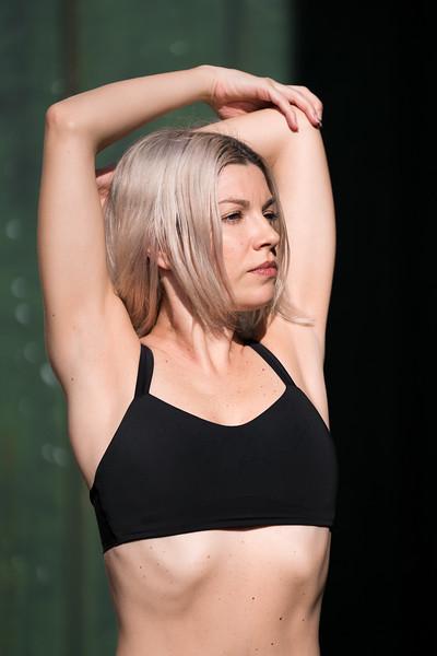 IG - Hawaii - Madeleine Russick - Yoga-1266.jpg