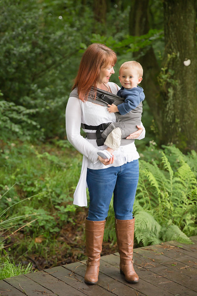 Izmi_Toddler_Carrier_Cotton_Mid_Grey_Lifestyle_Side_Carry_Mum_Laughing_With_Baby.jpg