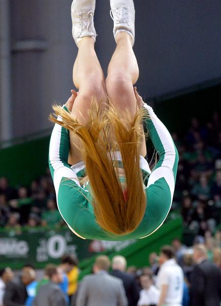 cheerleaders2981.jpg