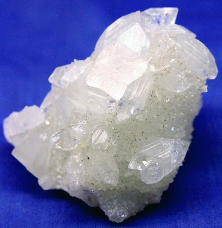 Apophyllite 220