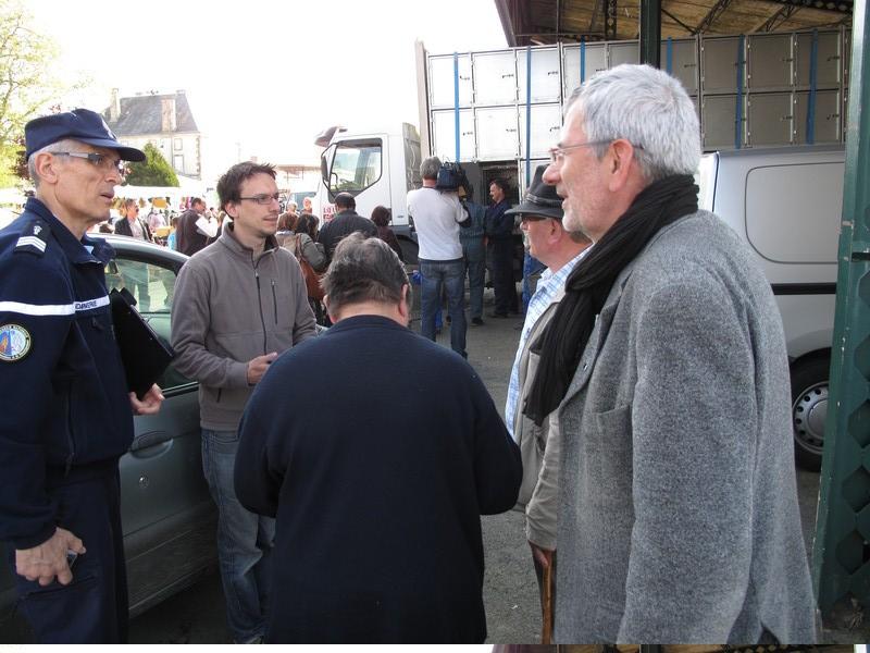 chevreaux-tranport-Loeul-et-Piriot-marche-Lezay-19-avril-2011-n27.jpg