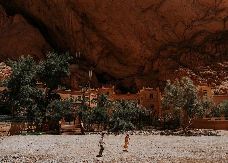 Tu-Nguyen-Destination-Wedding-Photographer-Morocco-Videographer-Sahara-Elopement-263.jpg