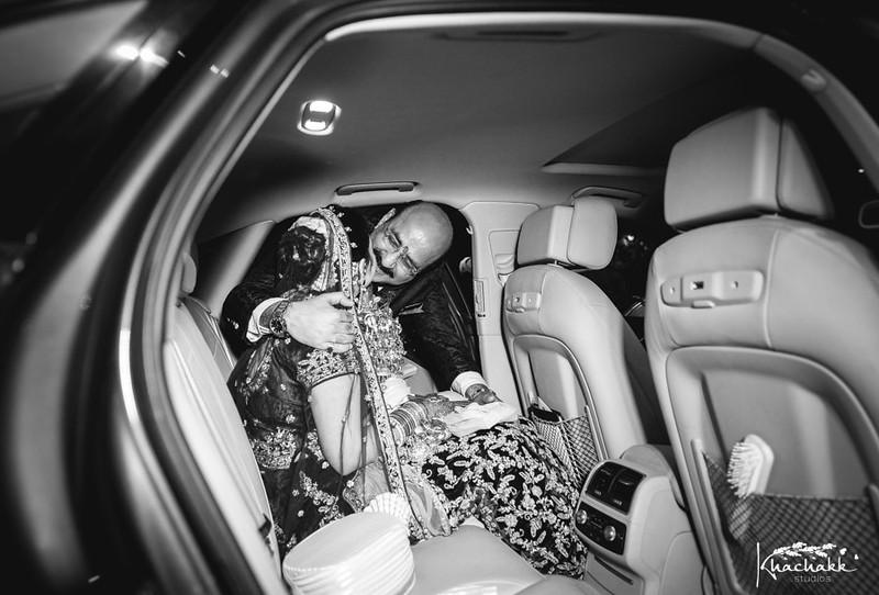 best-candid-wedding-photography-delhi-india-khachakk-studios_73.jpg