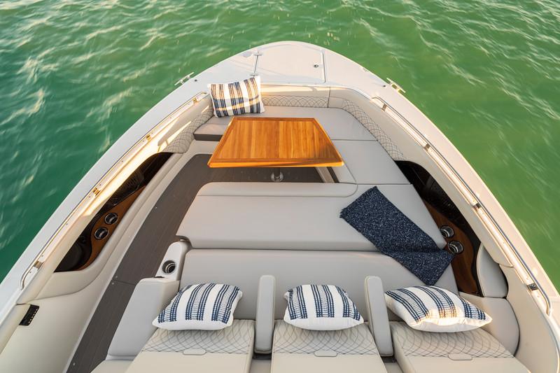 2021-Sundancer-370-Outboard-DAO370-bow-seating-table-05135.jpg