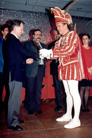 1993-05a.jpg