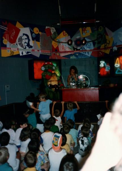 1989_Spring_Yankee_Stadium_Science_Center_0009_a.jpg