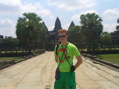 Nomadic Samuel Traveling Abroad