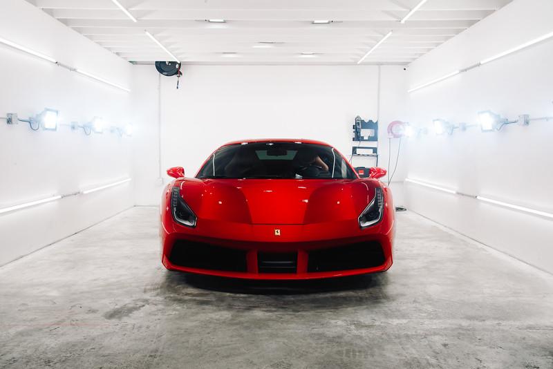 Vive_Detail_Ferrari_488-1.jpg