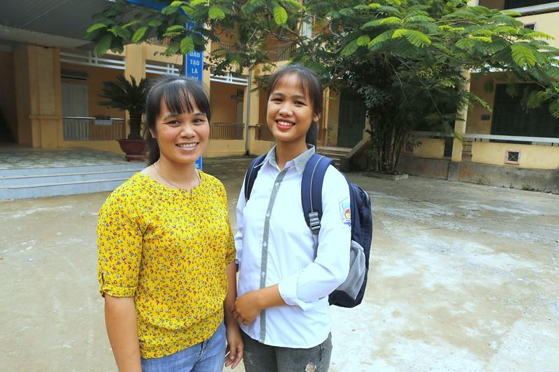 Diep (Left) with her Mother.