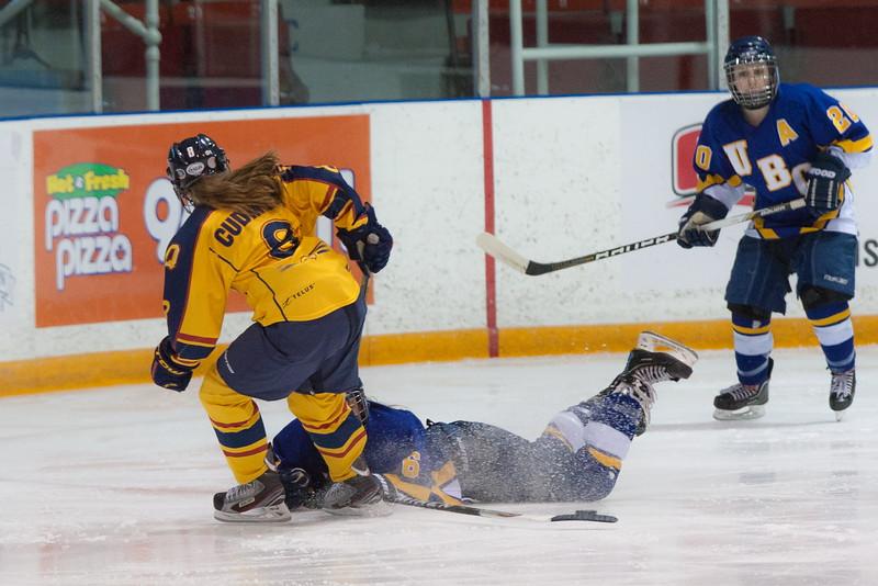 20130310 QWHockeyvsUBC 157.jpg