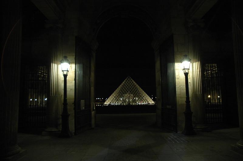 Paris11_0206.JPG