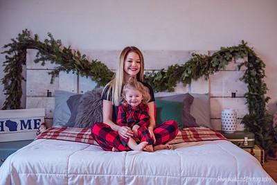 Anika & Stella {Holiday mini}