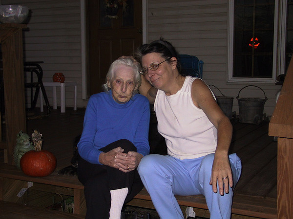 Bonnie&Mom.JPG